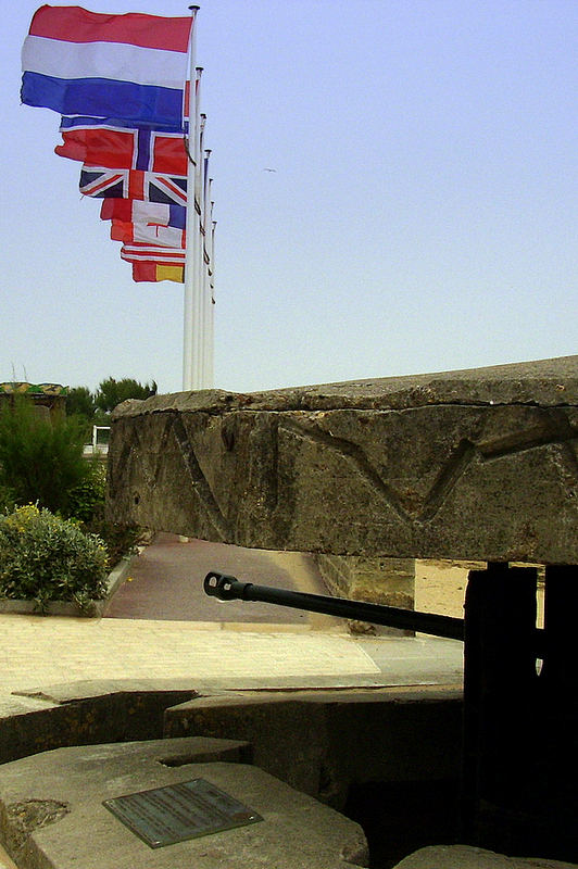 009 F nor St. Aubin: Denkmal an ''Atlantikwall''