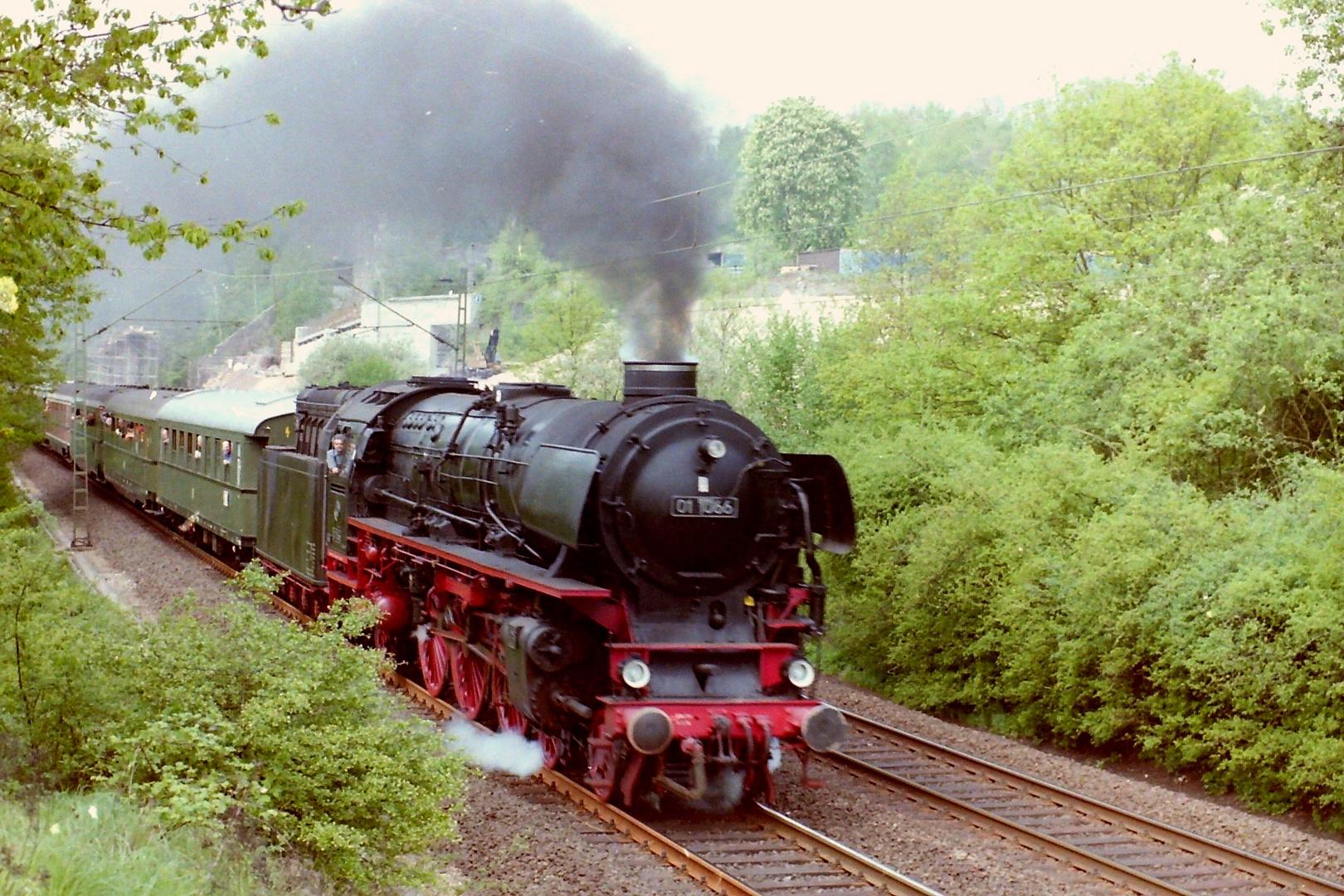 01 1066 auf der Kinzigtalbahn,