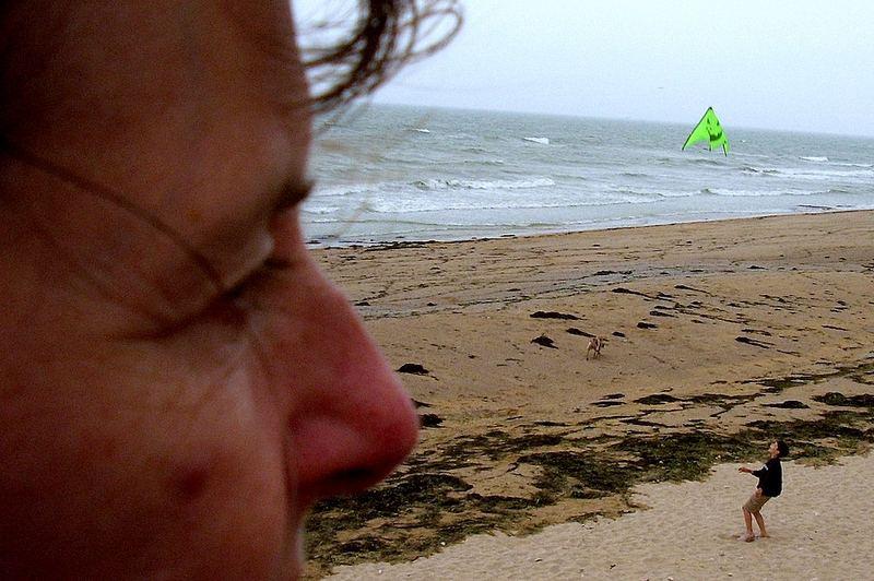 011 F nor St. Aubin: Kind am Strand