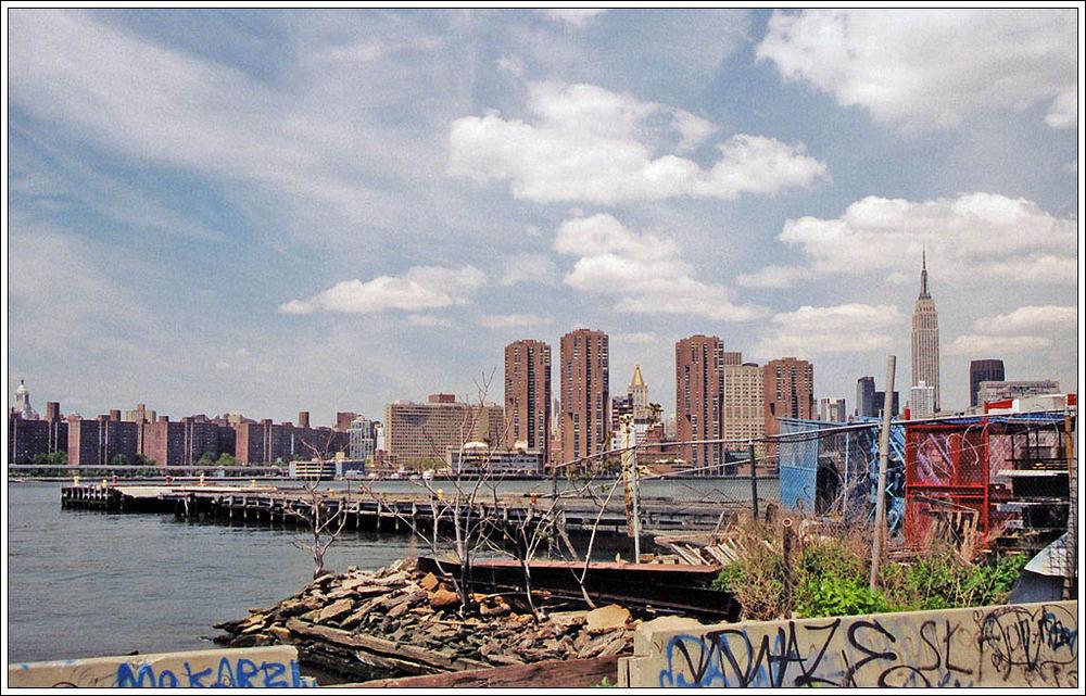 0506-36 Blick über den East River