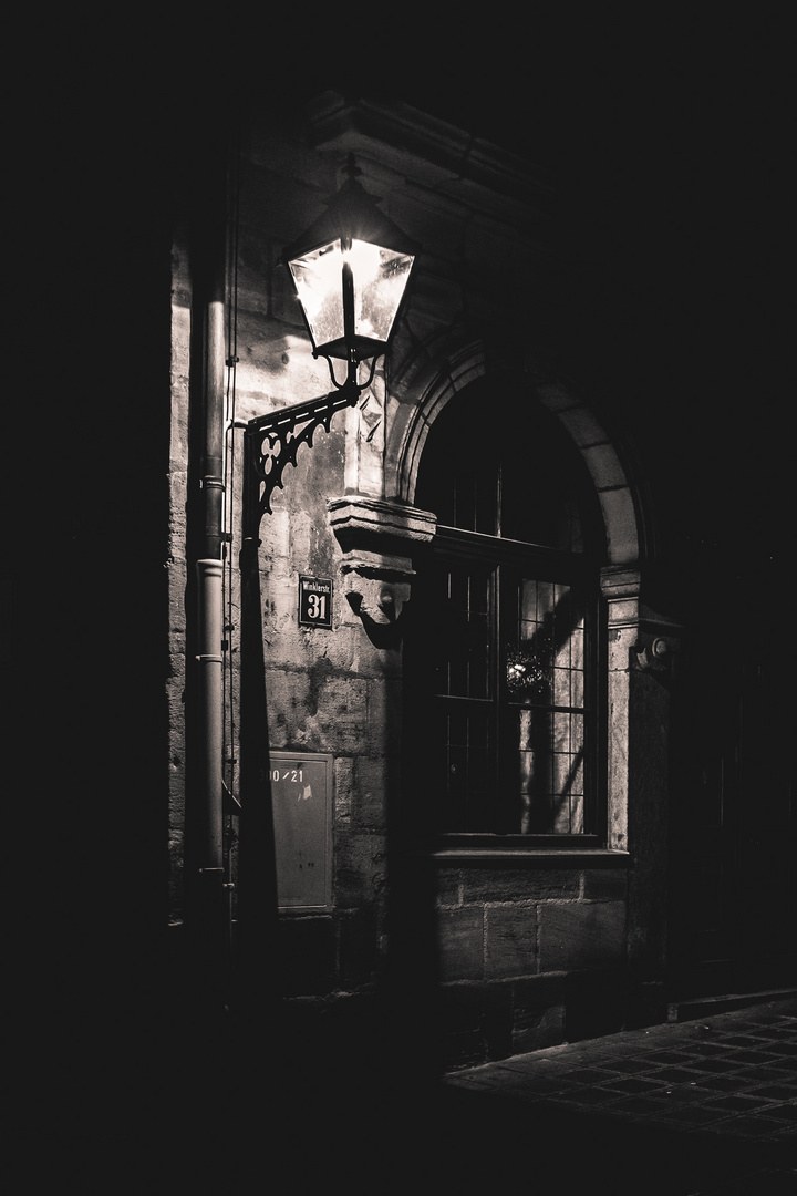 07-Nürnberg-Altstadt-Laterne-Available-Light-Jürgen Klieber-161120