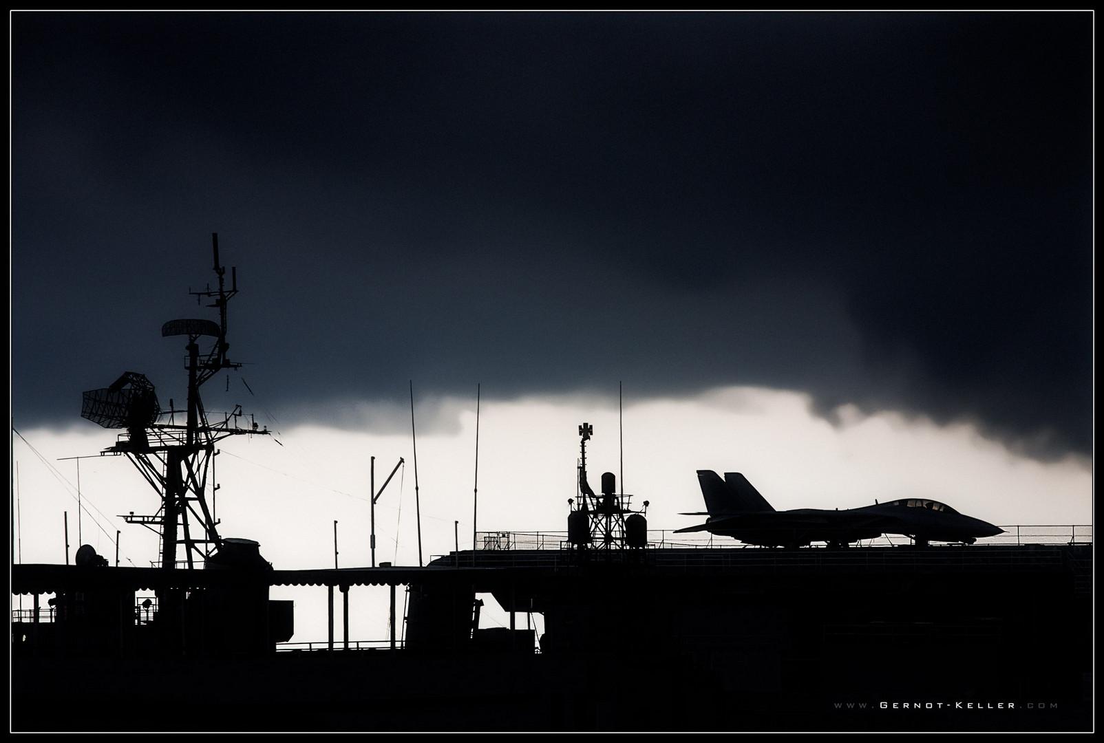 07510 - Heavy rain over the Yorktown, Charleston