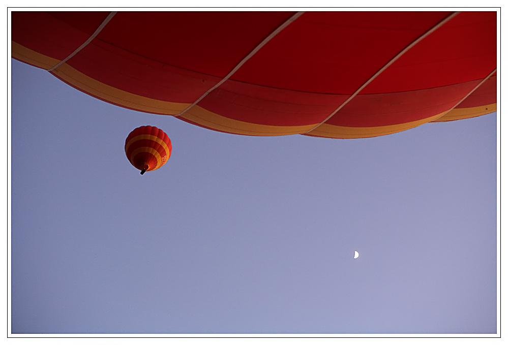 1 1/4 Ballons und ein halber Mond