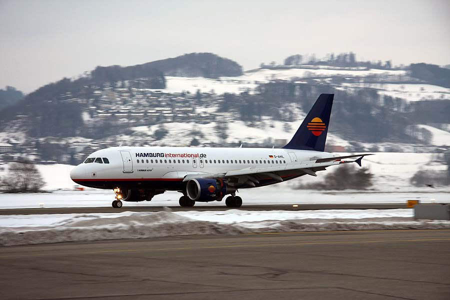 1. Landung eines Airbus A319 in Bern-Belp