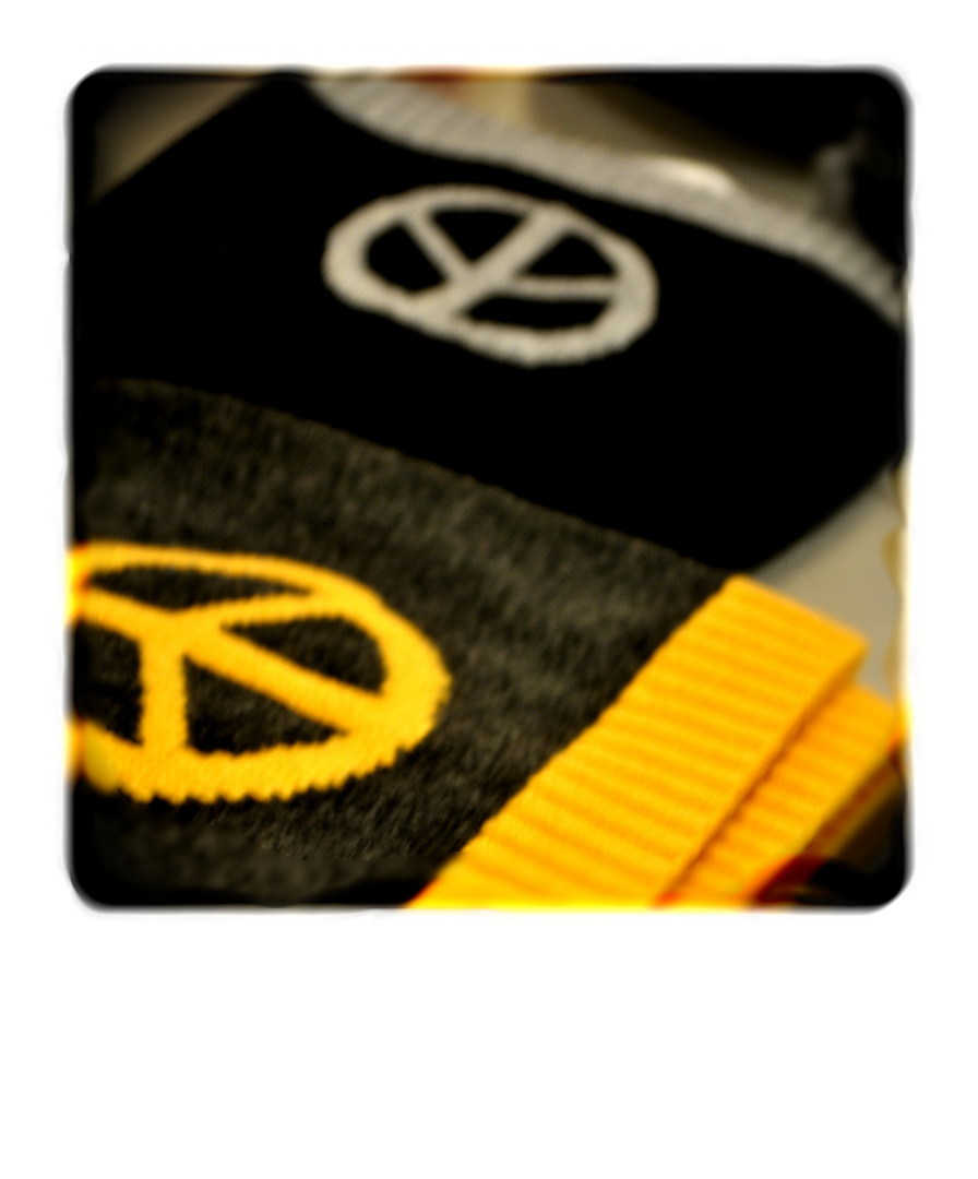 1.0 >> peace bonnets a go go >> social conscience for 12,99€