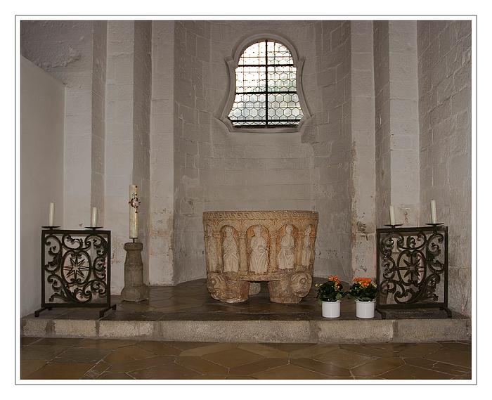 1000 Jahre alt - Taufstein