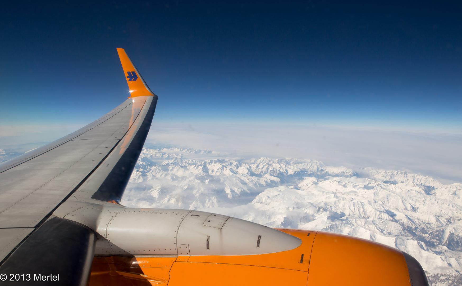 10.000 Meter über der Schweiz ..... Schneebedeckte Berge