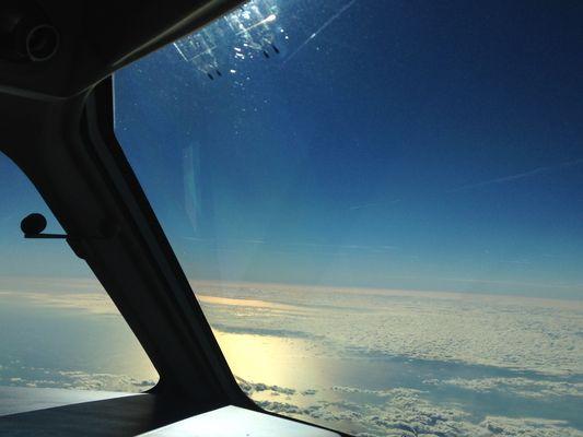 10.000m über dem Meer