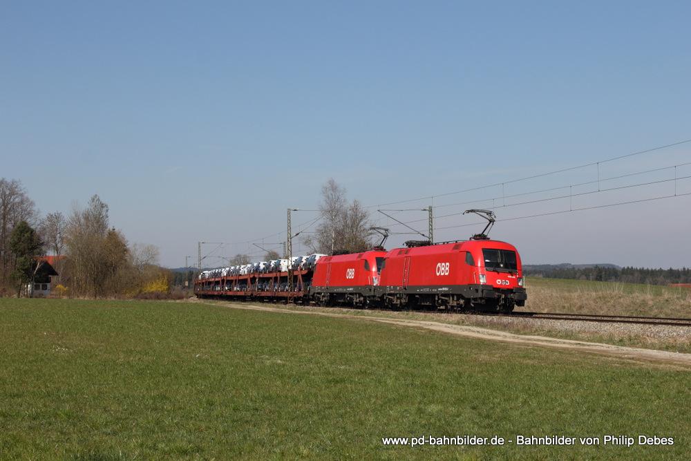 1016 035-8 (ÖBB) und 1016 007-7 mit einem Autotransportzug
