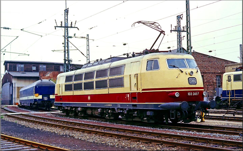 103 245-7 am 16 August 1989 in Köln,mit dem richtigen Keks