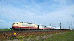 103 245-7 am 18 Mai 2016 kurz vor Kissing Augsburg