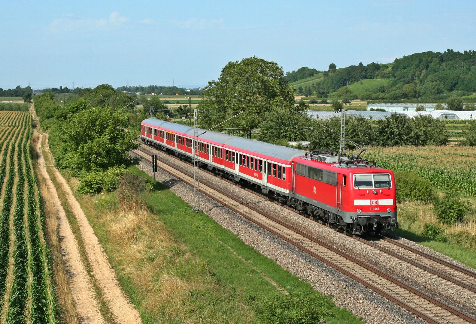 111 061 auf dem Weg nach Freiburg (Breisgau) Hbf