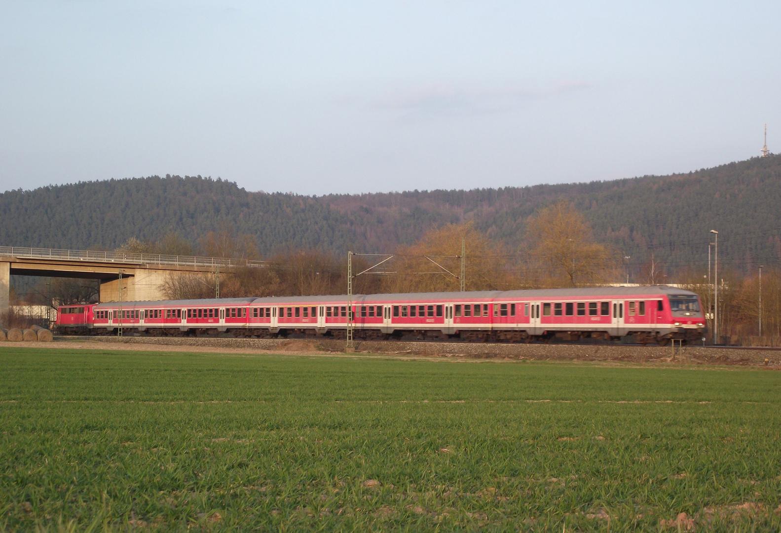 """111 mit """"Rotlingen"""" auf der Frankenwaldbahn"""