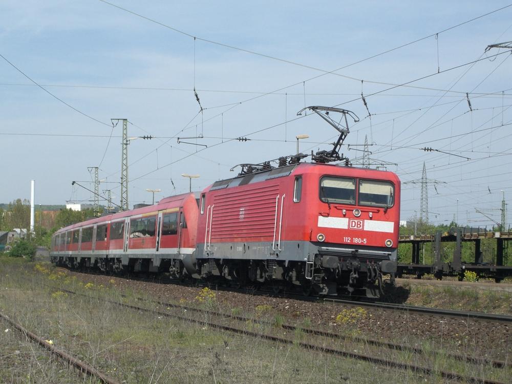 112 180 mit einem RE in Würzburg Zell