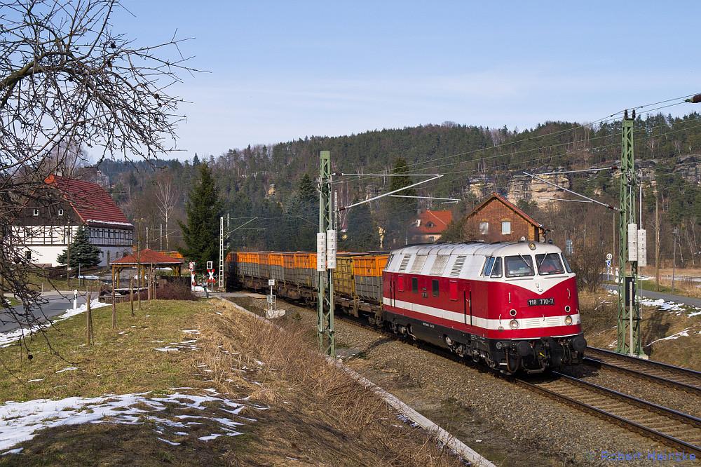 118 770-7 mit dem leeren Kokszug nach CZ bei Rathen am 23.03.2013