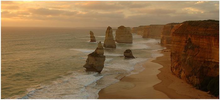 12 Apostel kurz vor Sonnenuntergang