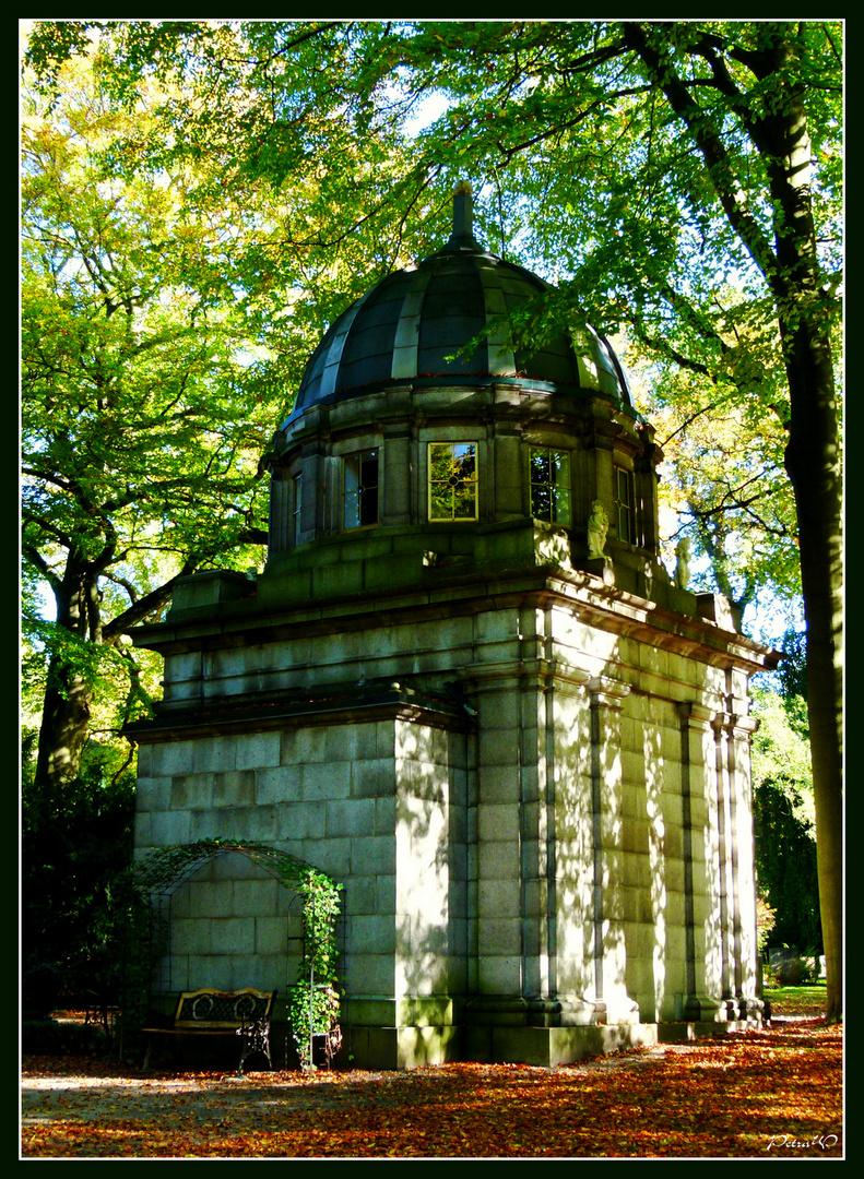 12 Ohlsdorfer Friedhof, Hamburg - Mausoleum