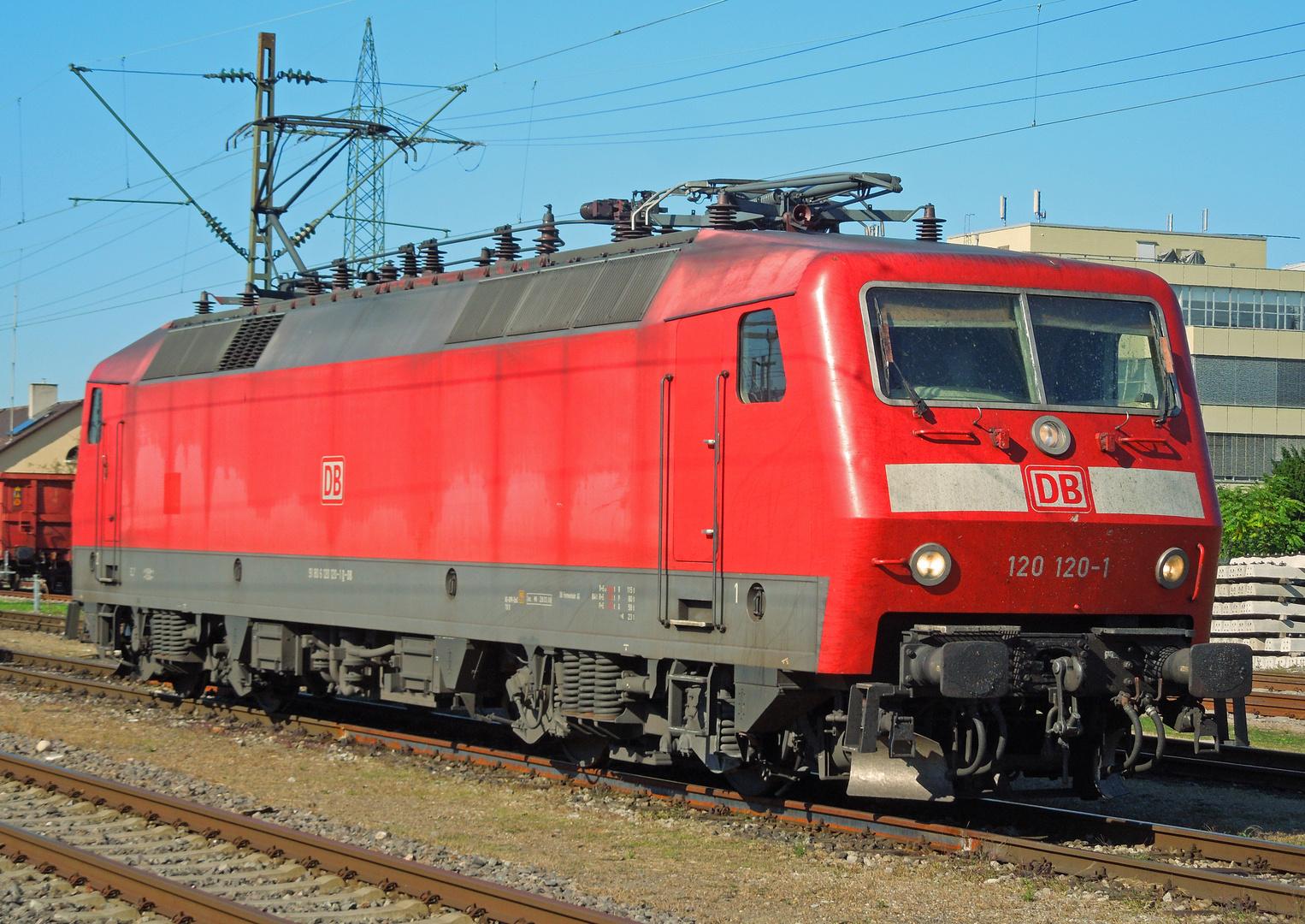 120 120-1 nach getaner Arbeit in Basel