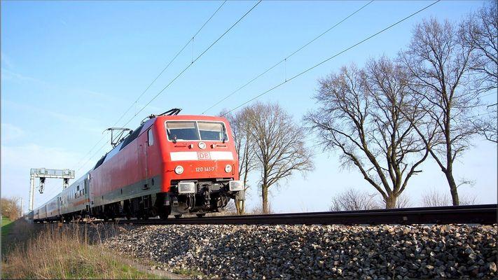 120 141-7 am 04 April 2016 bei Hochdorf Mering