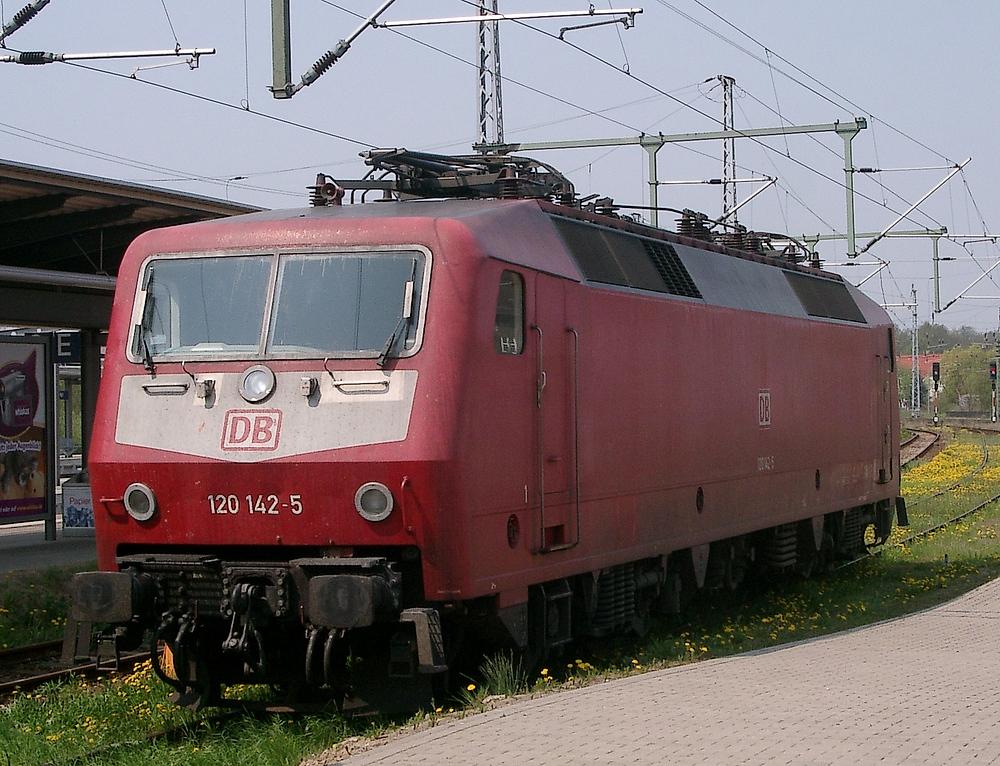 120 142-5 Mai 2006 Rostock