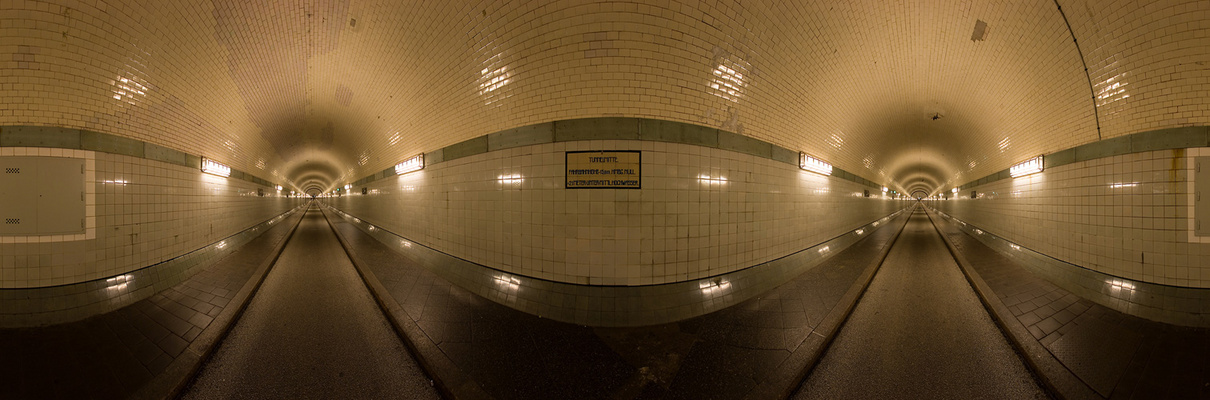 12mm Elbtunnel Panorama