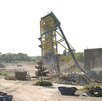 13:32 Uhr ein Industriedenkmal stirbt