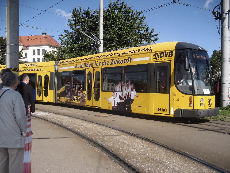 140 Jahre Strassenbahn in Dresden Foto & Bild | bus
