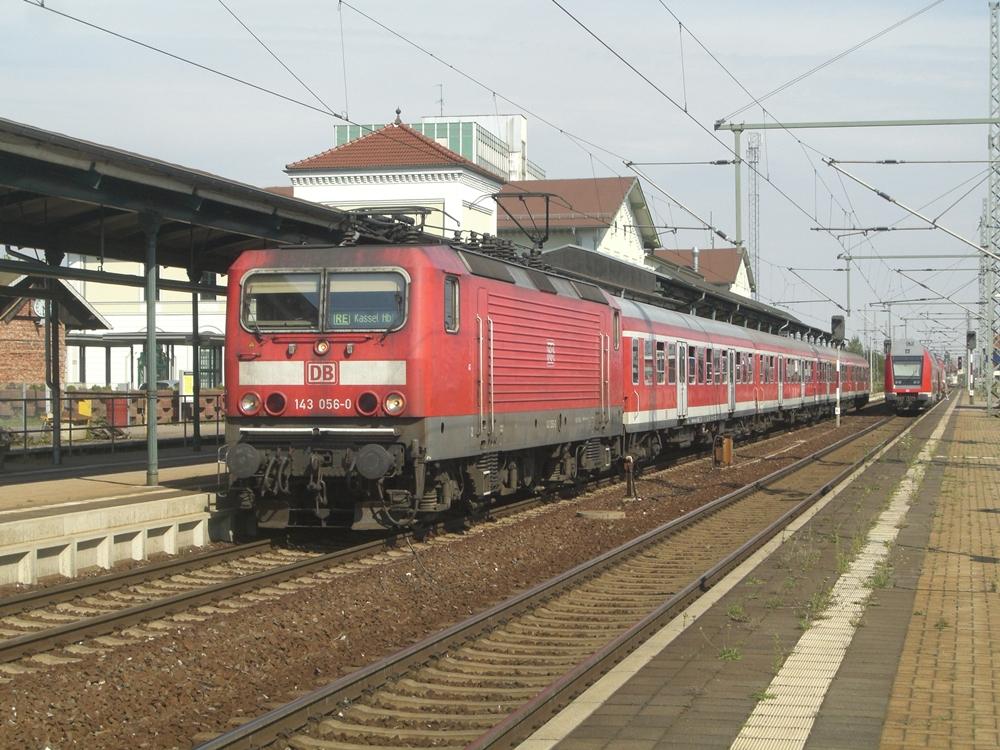 143 056 mit dem RE von Halle nach kassel in Nordhausen