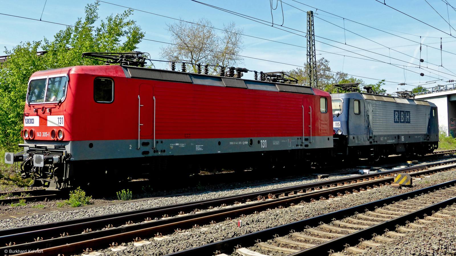 143 305-1 RBH 131 und 143 068-5 RBH 115 machen gemeinsam Pause - Mainz-Bischofsheim - 17.04.2014