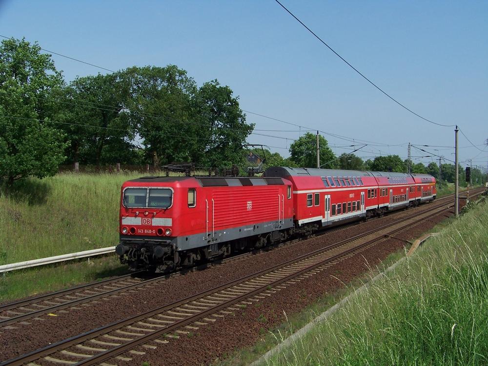 143 848 mit einer RB auf dem Westlichen Berliner Aussenring