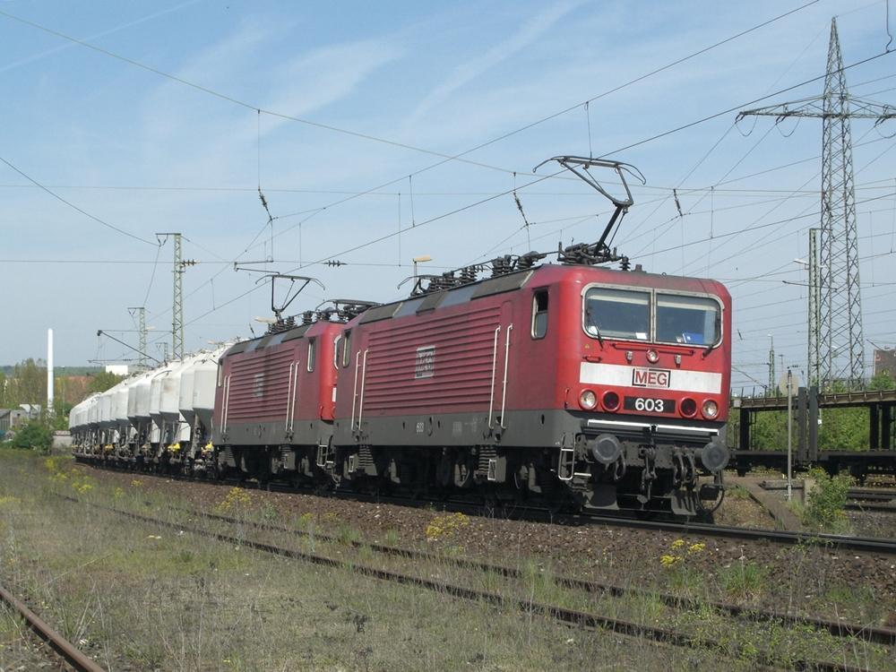 143er der MEG auf Durchfahrt in Würzburg Zell