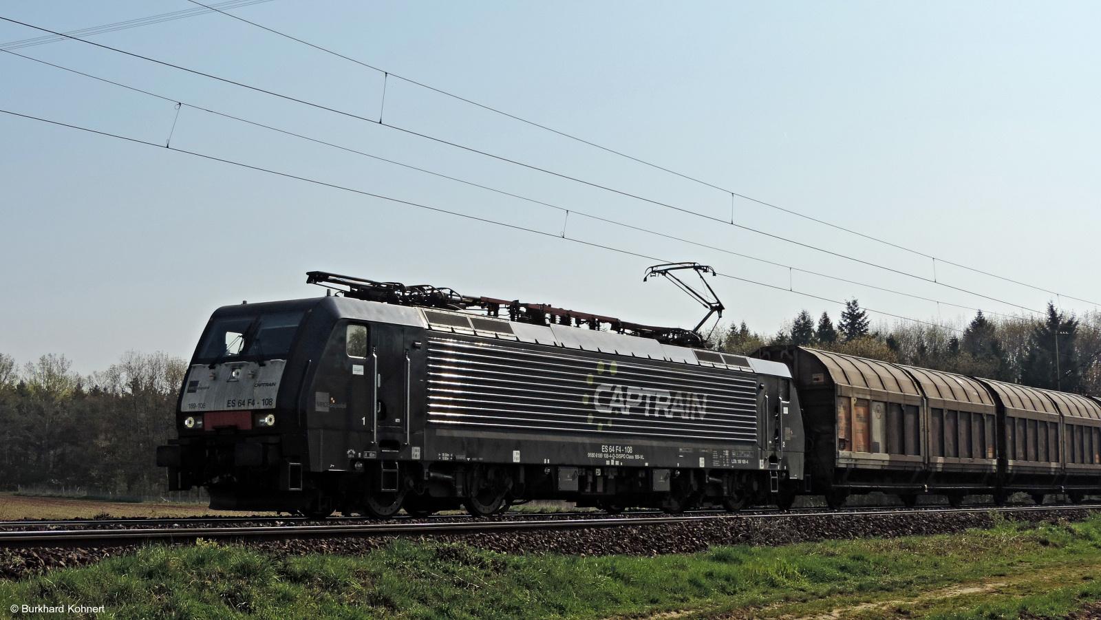 189-108 - ES 64 D4-108 Captrain mit einem Ganzzug
