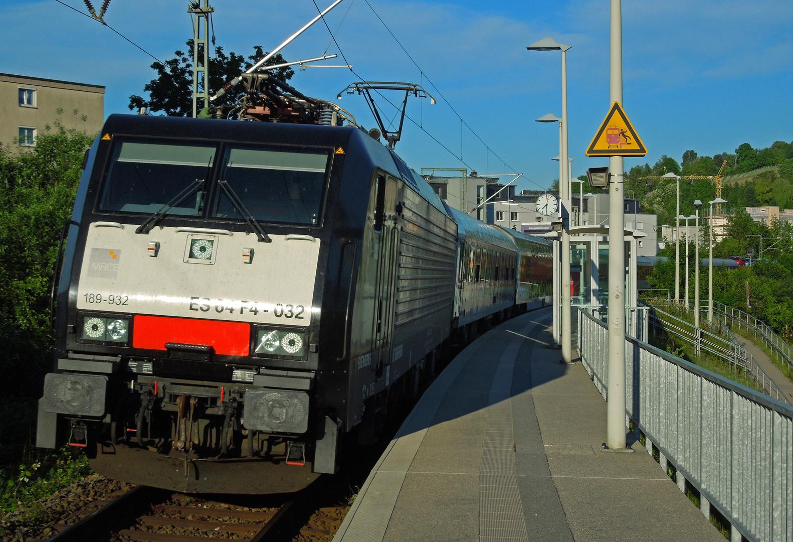 189 932-7 mit Autoreisezug 1379 in Lörrach-Dammstrasse