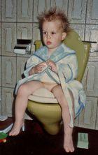 19:00 Uhr; Toilette; die Frisur sitzt