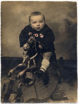 1940- a nove mesi dal fotografo