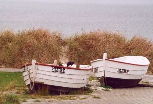 2 Boote...
