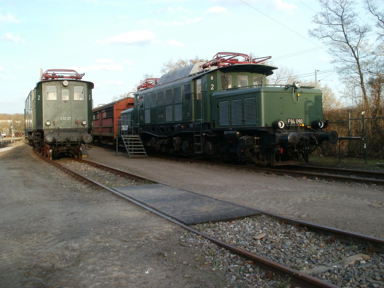 2 Bügeleisen in Bochum Dahlhausen.