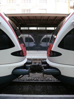 2 FLIRT Züge in Olten