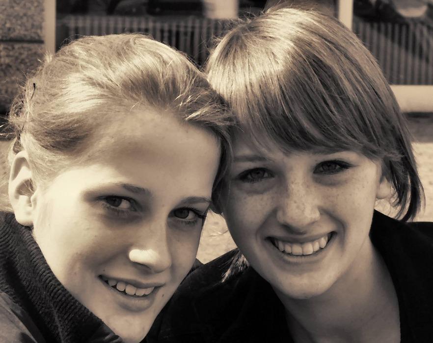 2 Freundinnen
