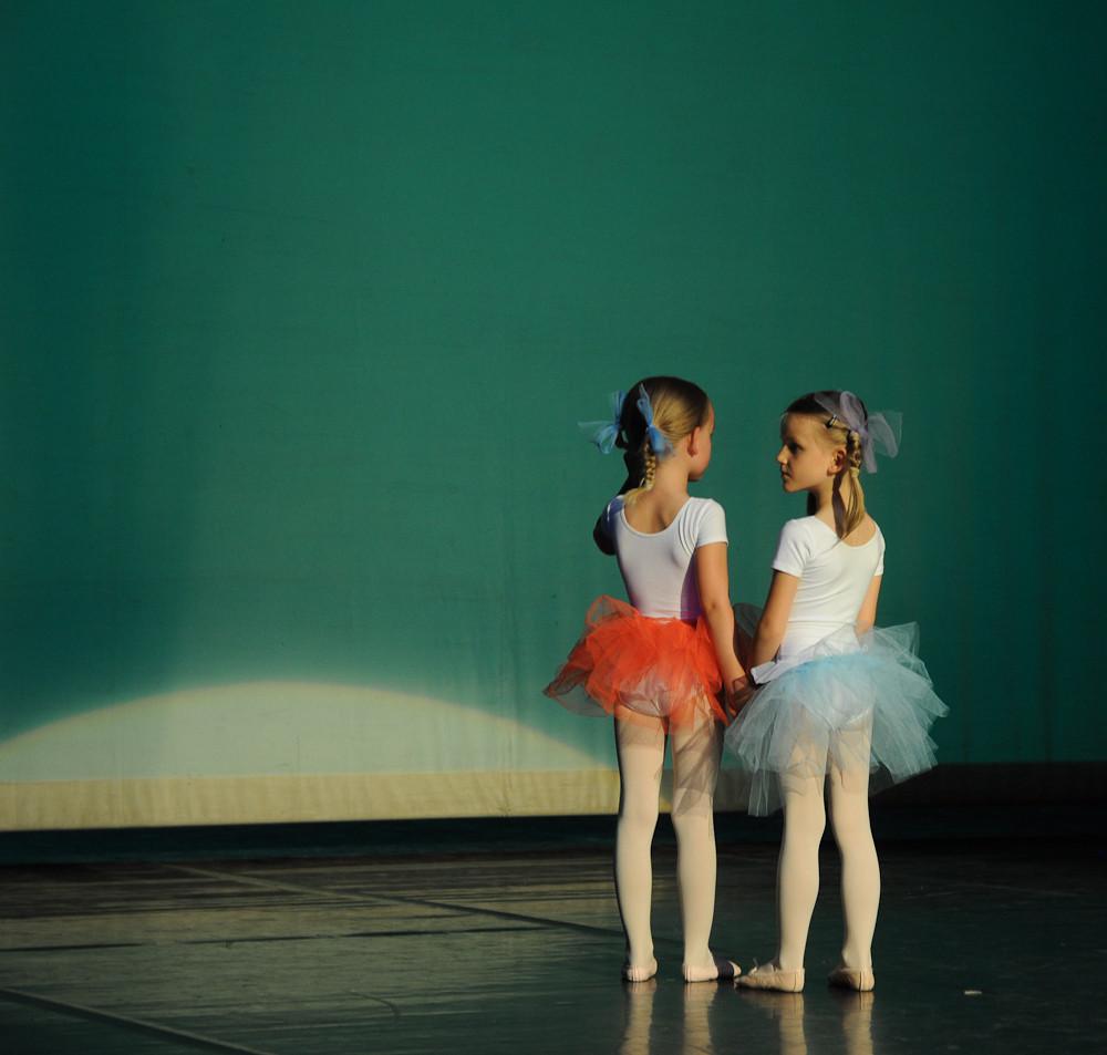 2 kleine Tänzerinnen
