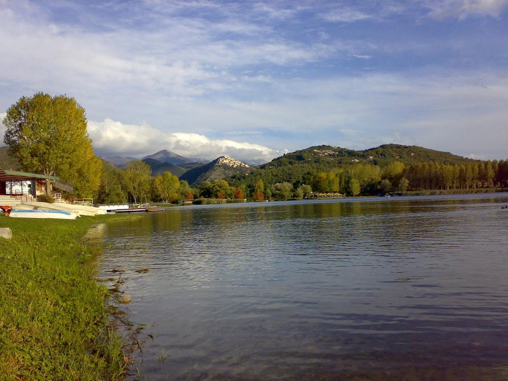 (2) Lago Piediluco, Umbrien, Italien