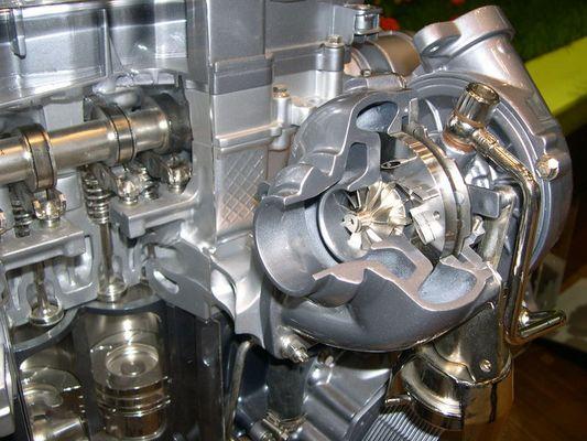 2-Liter Dieselmotor mit Turbolader von Peugeot