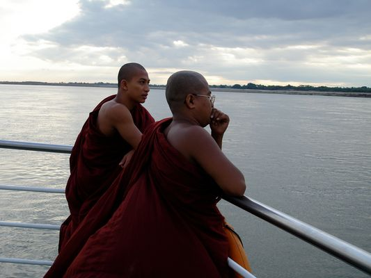 2 monks in the boat at Ayeyarwady River