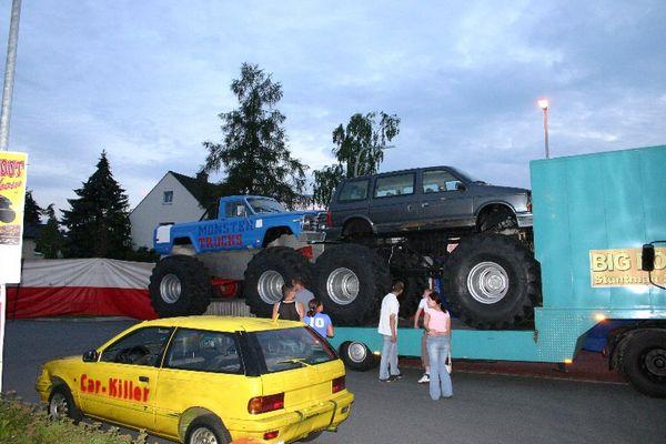 2 Monster Trucks!