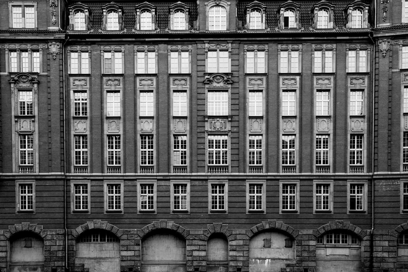 2 offene Fenster