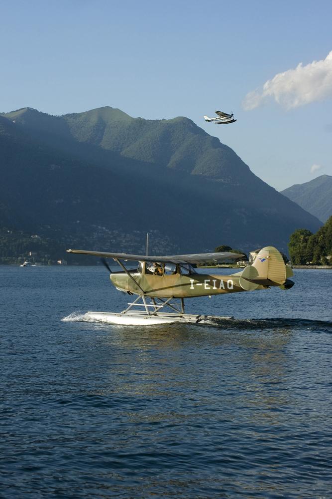 2 Old Floatplanes (Wasserflugzeuges)