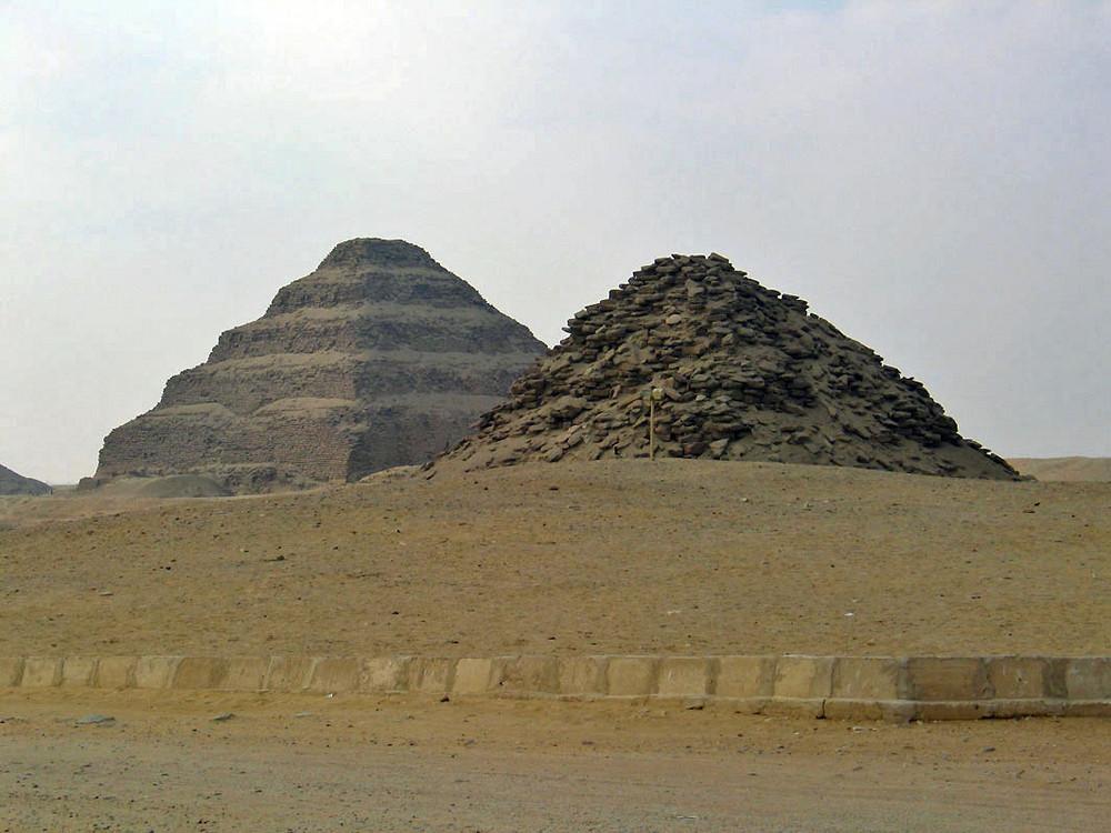 2 Pyramiden in Sakkara
