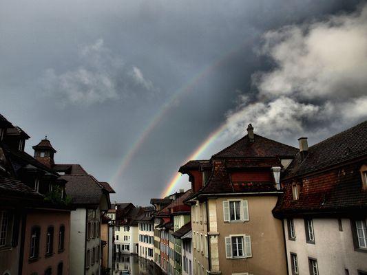 2 Regenbögen über Aarau (Schweiz)