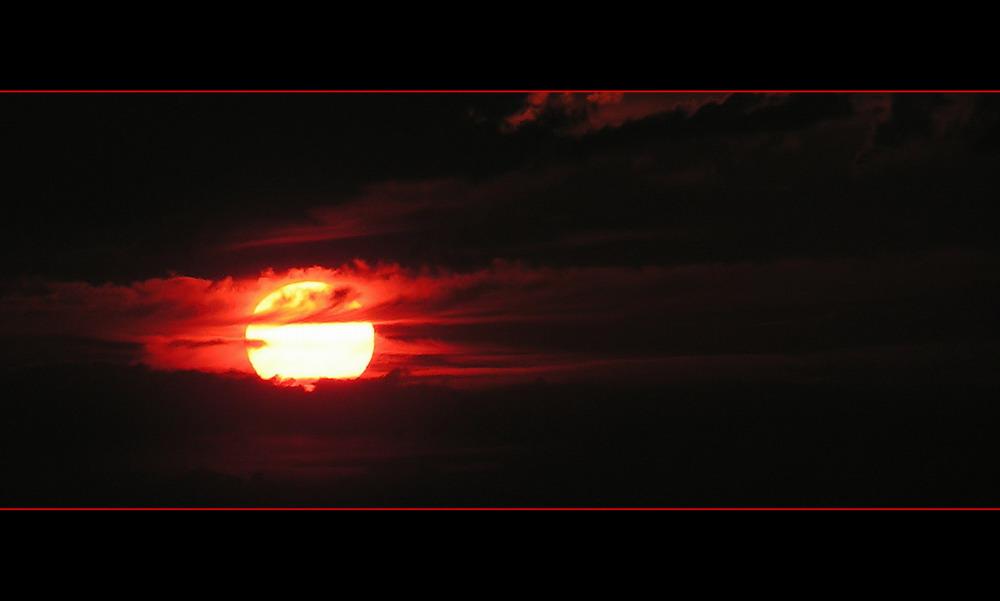 2005-025 - [crimson sun]
