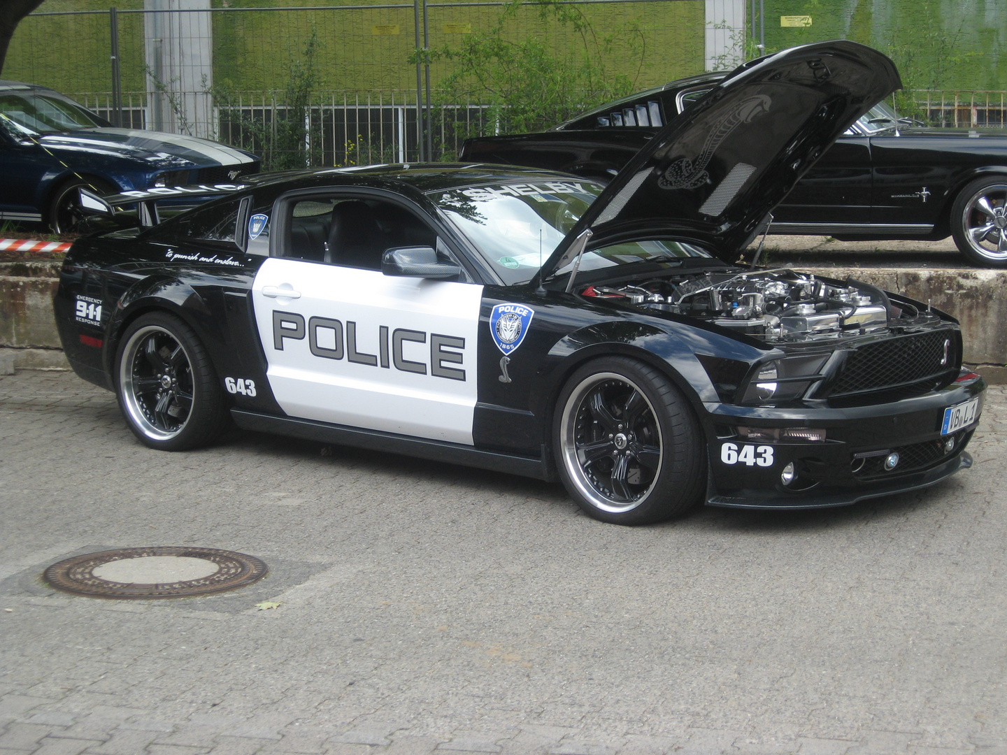 2012 Ford Mustang Treffen in der Classic-Stadt-Ffm - Clon POLICE FORD MUSTANG GT 500 -